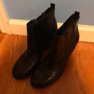 Small Black Ankles Booties